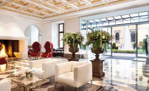 Die prunkvolle Lobby des Hotels