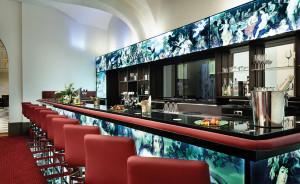 Die Bar des Hotels sorgt für einen entspannten Ausklang des Tages