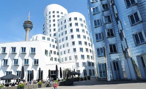 Die imposanten Gehry-Bauten