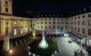 Der große Innenhof des Derag Livinghotel De Medici ist eine Oase mitten in der Stadt
