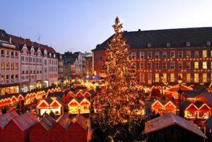 Weihnachtsmarkt_Rathausplatz_1_klein