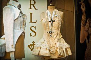 clothing-1549070_1920