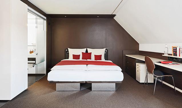 Living Hotel Das Viktualienmarkt München Bett Schreibtisch