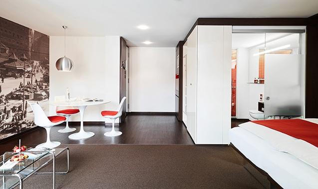 living-hotel-das-viktualienmarkt-muenchen-business-plus-wohnbereich-2