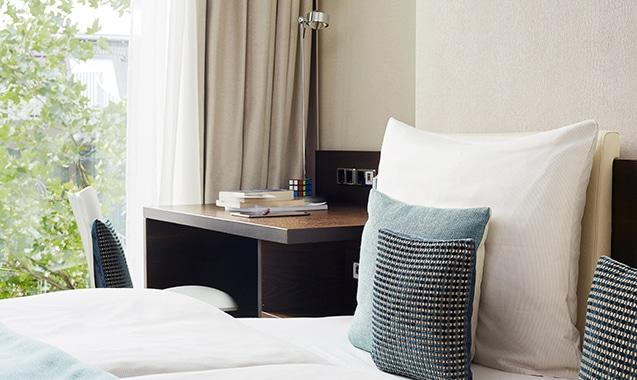 living-hotel-das-viktualienmarkt-muenchen-deluxe-kissen-1