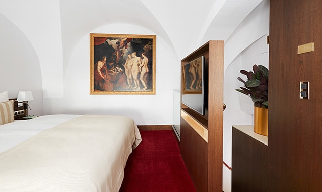 living-hotel-demedici-dusseldorf-maisonette-bett-1