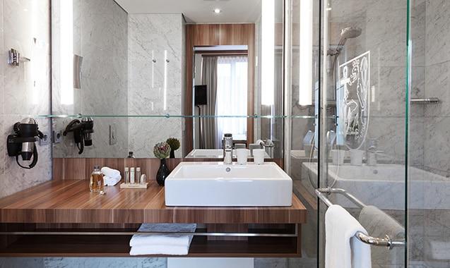 living-hotel-dusseldorf-business-bad2-1