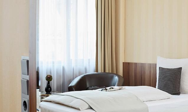 living-hotel-dusseldorf-business-einzel-schlafbereich1