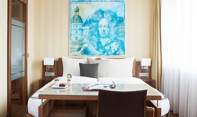 living-hotel-dusseldorf-deluxe-bett2-1