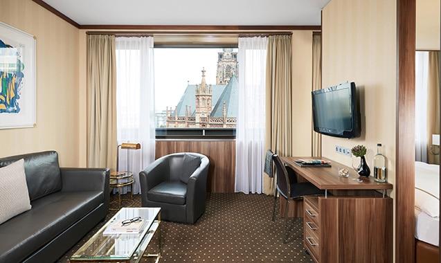 living-hotel-dusseldorf-deluxe-wohnbereich