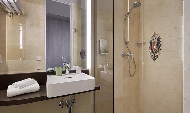 living-hotel-kaiser-franz-joseph-wien-economy-plus-badezimmer