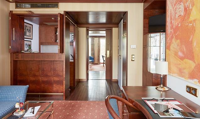 living-hotel-kanzler-bonn-business-plus-wohnbereich