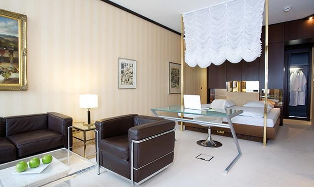 living-hotel-kanzler-bonn-superior-schlafbereich