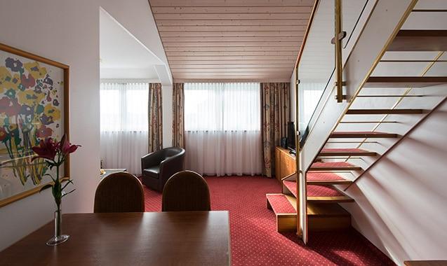living-hotel-nuernberg-2-bedroom-wohnbereich