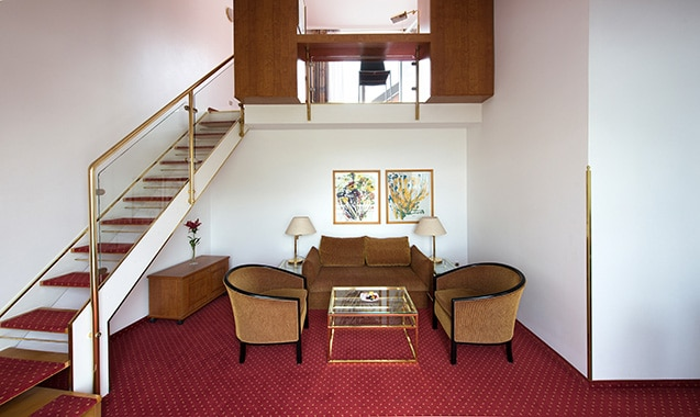 living-hotel-nuernberg-2-bedroom-wohnbereich1