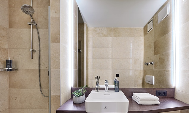 living-hotel-nuernberg-maisonette-plus-badezimmer