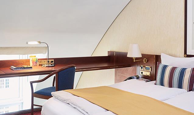 living-hotel-prinzessin-elisabeth-muenchen-business-maisonette-bett