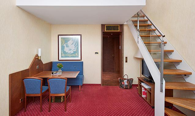 living-hotel-prinzessin-elisabeth-muenchen-business-maisonette-wohnraum