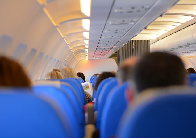 Sitzreihen Flugzeug von innen