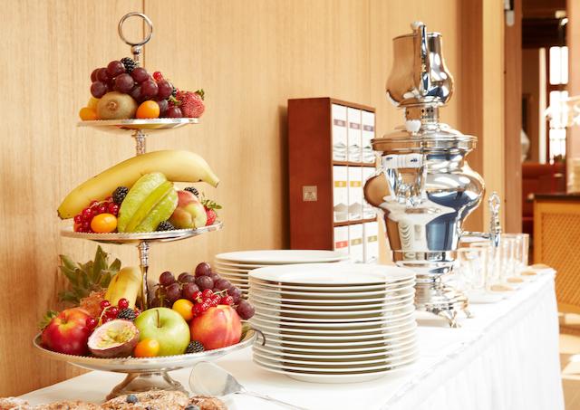 frühstück buffet de medici düsseldorf living hotel