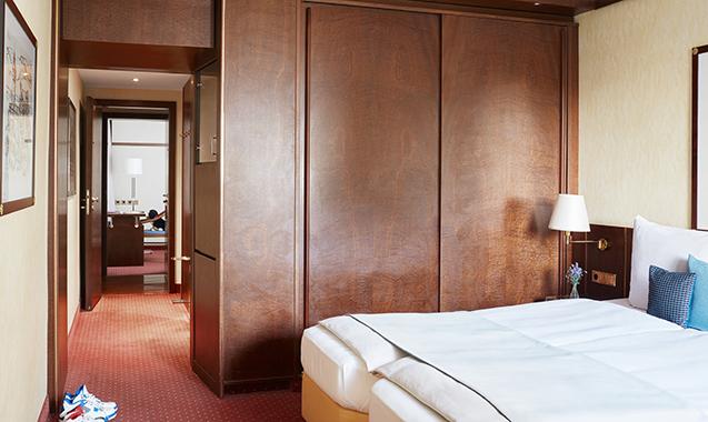 Living-Hotel-Berlin-Mitte-Familienzimmer-Schlafzimmer2