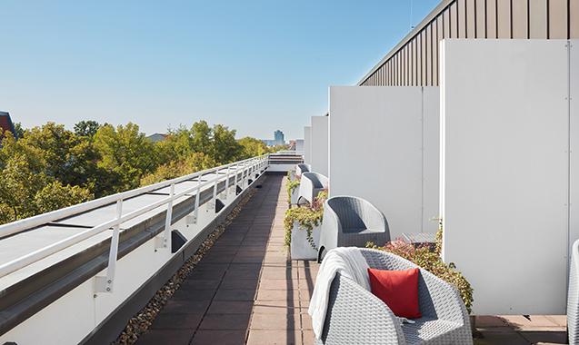 Living-Hotel-Weißensee-Berlin-Deluxe-Balkon2
