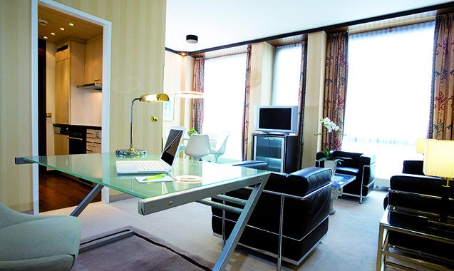 Living-Hotel-Kanzler-Bonn-Superior-Schreibtisch