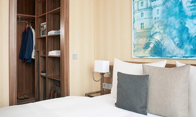 Living-Hotel-Dusseldorf-Business-Bett
