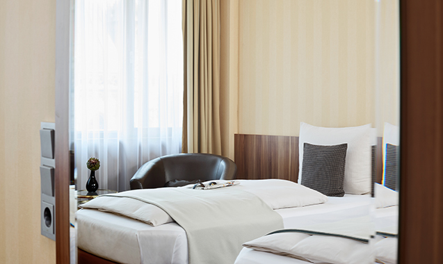 Living-Hotel-Dusseldorf-Business-Schlafzimmer2