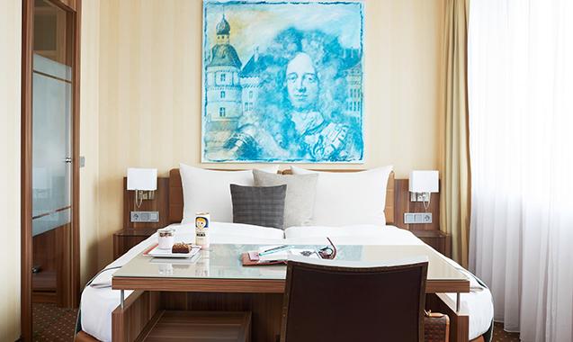 Living-Hotel-Dusseldorf-Deluxe-Bett2