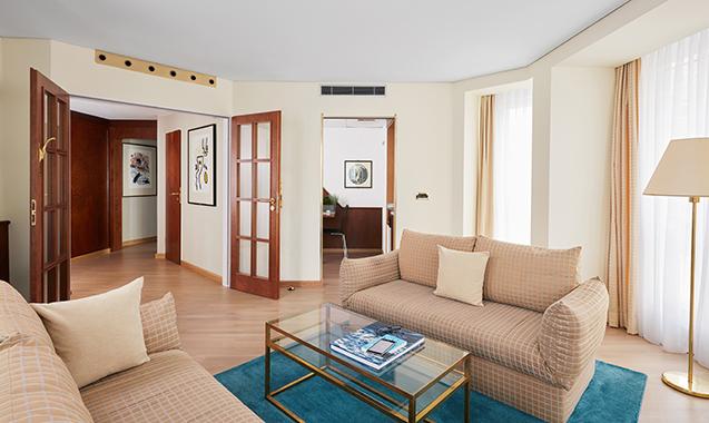 Living-Hotel-Großer-Kurfurst-Berlin-Executive-Couch