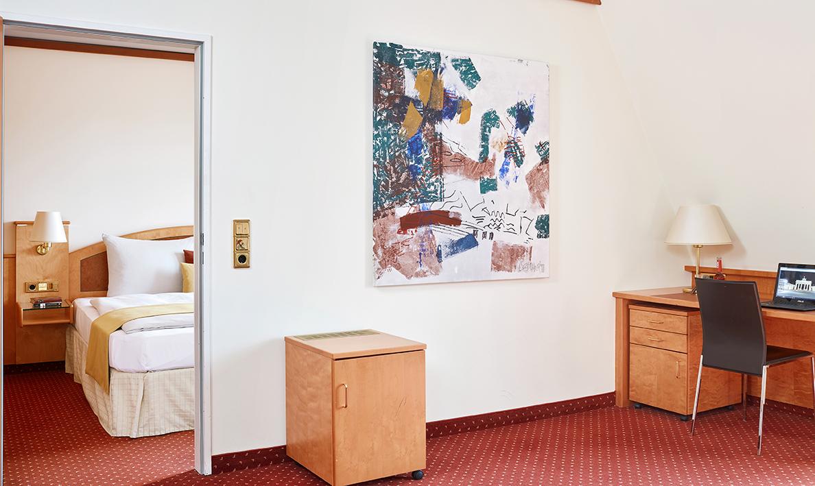 Living-Hotel-Großer-Kurfurst-Berlin-Superior-Wohnraum