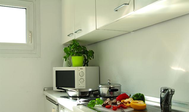 Living-Hotel-Apartments-Johann-Wolfgang-Frankfurt-Business-Plus-Kitchenette