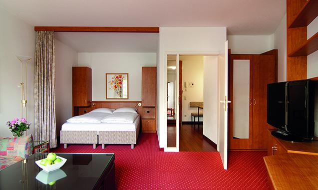 Living-Hotel-Apartments-Johann-Wolfgang-Frankfurt-Economy-Plus-Schlafzimmer