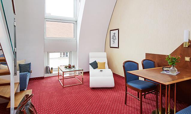 Living-Hotel-Prinzessin-Elisabeth-München-Doppel-Deluxe-Wohnraum