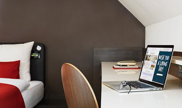 Living-Hotel-Das-Viktualienmarkt-München-Business-Plus-Schreibtisch