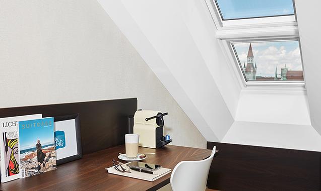Living-Hotel-Das-Viktualienmarkt-München-Junior-Suite-Schreibtisch
