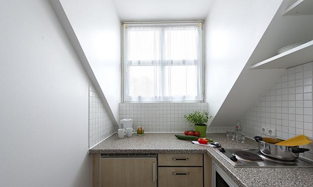 Living-Hotel-Nuernberg-2-Bedroom-Kitchenette