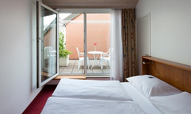 Living-Hotel-Nuernberg-2-Bedroom-Schlafzimmer