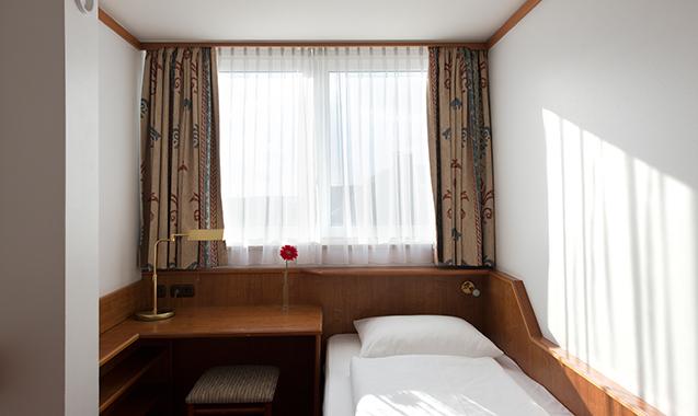 Living-Hotel-Nuernberg-2-Bedroom-Schlafzimmer2