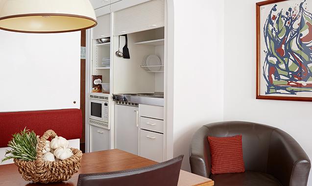 Living-Hotel-Nuernberg-Maisonette-Kitchenette