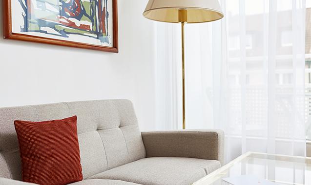 Living-Hotel-Nuernberg-Maisonette-Superior-Couch