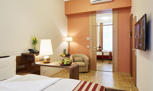 Living-Hotel-an-der-Oper-Wien-Business-Wohnbereich
