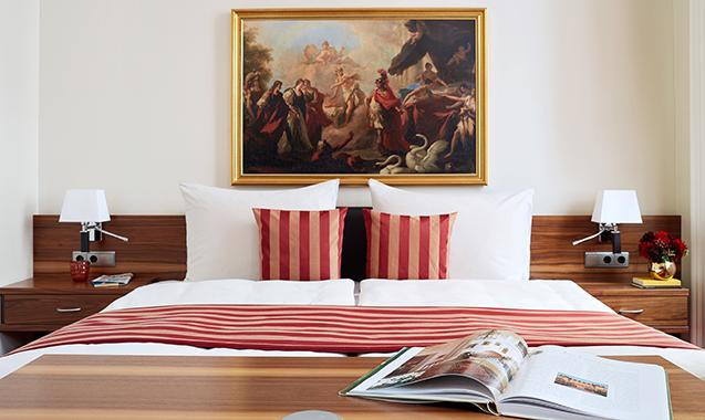 Living-Hotel-an-der-Oper-Wien-Executive Family-Bett