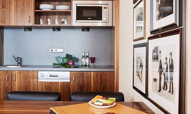 Living-Hotel-an-der-Oper-Wien-Executive Family-Kitchenette