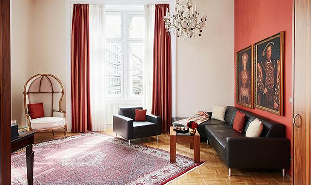 Living-Hotel-an-der-Oper-Wien-Executive Family-Wohnzimmer