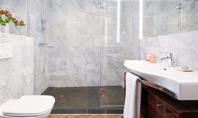 Living-Hotel-an-der-Oper-Wien-Executive Suite-Badezimmer