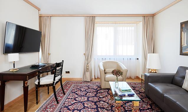 Living-Hotel-DeMedici-Dusseldorf-Superior-Wohnraum