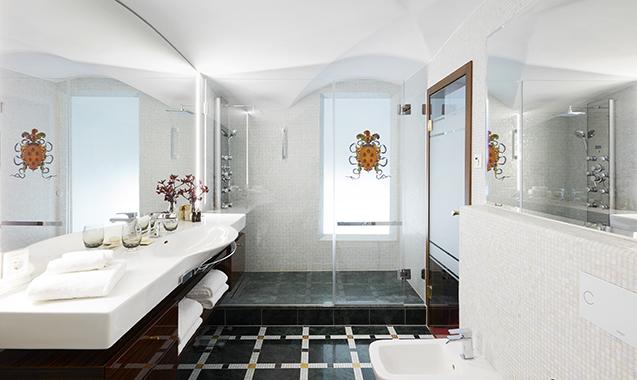 Living-Hotel-DeMedici-Dusseldorf-Maisonette-Badezimmer