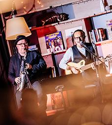 living-hotel-frankfurt-living-room-veranstaltung-jazz-we-can-Tom-reinbrecht-und-Paulo-Alves-by-Christian-Stein